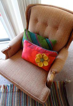 diy felt pillows & recovered chair from www.twinkleandtwine.com @Rebekah Canavan
