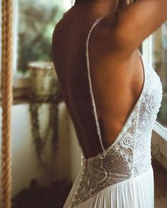 low back I sexy back I beaded top I Flora I Flora bridal I real brides I happy moment I Lillian 2018 by Flora I beaded straps I magical moment