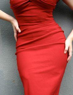 Sexy red dress! Vavavoom!