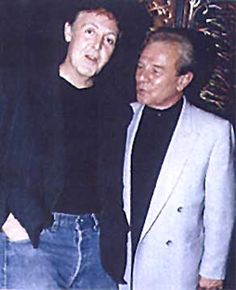 Charlie with Paul McCartney at the Ex-Beatle's CD premiere in London, 2000.