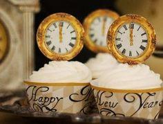 new year cupcakes + gold clocks