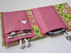 ~ Gadget Wallet ~ What a Great Idea....