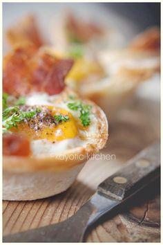 cheddar breakfast, breaki breakfast, egg cups, breakfast cup, eggsbacontoast breakfast, eggsbacontoast cup