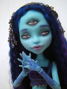 monster high repaint - third eye:)