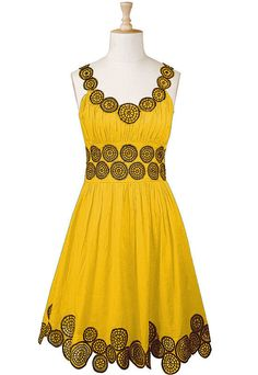 i don't usually dig on this bright yellow, but i love the contrast of this one, and the circles...