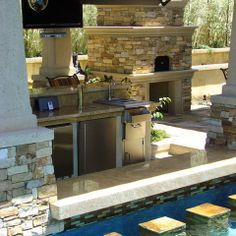 Pizza oven on lanai at next home is a must!