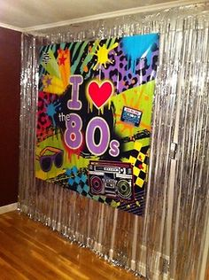 Disponible en for 80s theme party decoration
