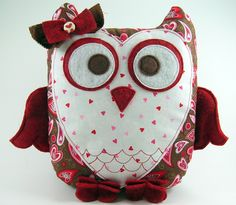 owl pillows, craft, pillow patterns, sewing home decor, owls, sewing tutorials, christmas gifts, owl patterns, sewing patterns