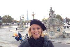 #EffieBarbie's first Paris photobomb.