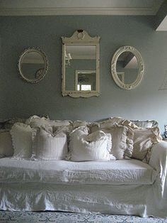 vintage mirrors, couch, color schemes, shabbi chic, shabby chic