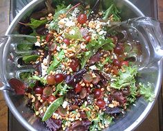 Oak-Leaf-Salad with sherry-honey dressing, pine nuts and grapes.