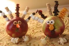 Little Turkey crafts made out of apples and other healthy snack foods!
