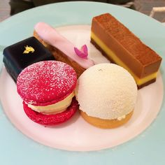 Where to Eat in London. The BEST off-the-beaten-path restaurants. Guaranteed you'll find a hidden gem! #travel #london #uk afternoon tea, dessert