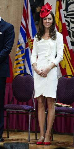 Kate Middleton Long Wavy Cut - Kate Middleton Looks - StyleBistro