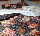 This quilt looks nice & cozy.