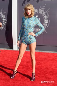 Recording artist Taylor Swift attends the 2014 MTV Video Music Awards at The Forum on August 24, 2014 in Inglewood, California. (Photo by Frazer Harrison/Getty Images)