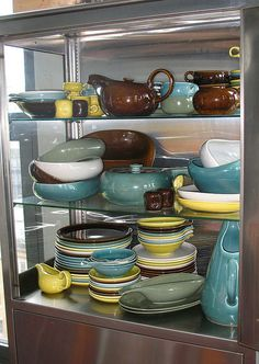 Russel Wright Pottery, what a fabulous collection.