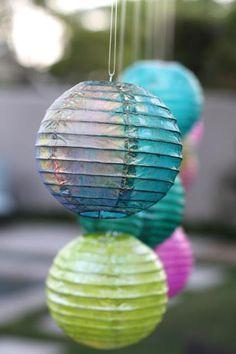 iridesc watercolor, watercolor lantern, spray, diy iridesc, acrylics, paint, diy home, rainbow, lanterns