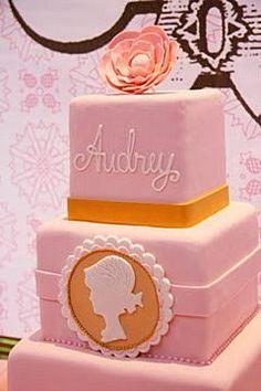 cameo fondant cake