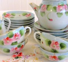 Tea Set ...