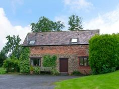 Perfect for a getaway in Worcestershire is The Old Barn in Lye Head.