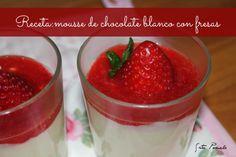Mousse de chocolate blanco con fresas
