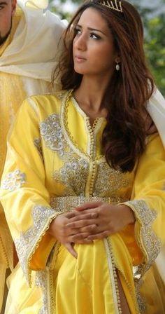 Caftaaaaan on pinterest kaftan moroccan dress and naeem for Film maghribi chambra 13