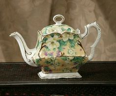 Royal Patrician  Fancy Square Shape - Golden Yellow Chintz  Trimmed in Gold   Earthenware 33 Oz. Capacity