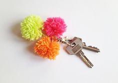 DIY pompom keychain