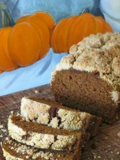 "Pine Cones and Acorns: ""Starbucks"" Pumpkin Bread with Crumble Topping"