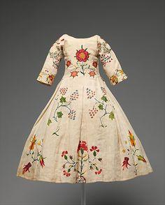 Child's Dress, mid-18th century, American, linen, wool. Met.