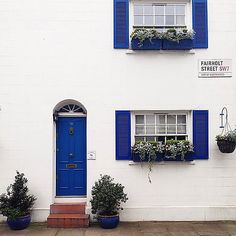 Loving this blue-and-white exterior!