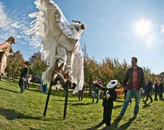 Come to a unique Halloween event at Brooklyn Botanic Garden this weekend! The whole family will have a great time at Ghouls & Gourds!