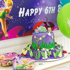 <3 this pixie-perfect Tinker Bell cake! Click to nibble on the fun decorating how-to + cute party ideas from Party City!