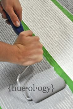 How to Paint & Stripe an Outdoor Rug by Hueology outdoor rugs, how to paint a rug, chalk paint rug, diy rugs
