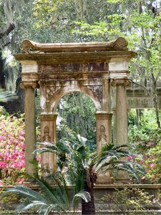 Haunted Bonaventure Cemetery - Savannah, GA - Savannah is one of the USA's most haunted towns.