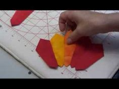 how to make double-pointed Dresden plate quilts with the Prairie Pointer Tool