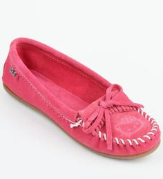 For the love of pink: Women's Minnetonka moc has cute Hello Kitty accents