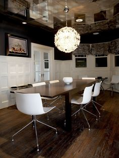 Dining Room With Mirrored Ceiling