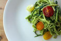 Quick and delicious: kale pesto zucchini - LULORA