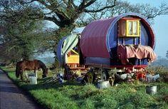 hors, camp, country roads, dream, vintage caravans, gypsi wagon, the road, gypsi caravan, design