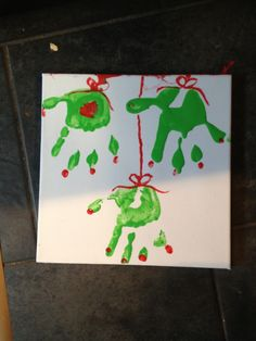 Easy Christmas craft for toddlers and pre-schoolers
