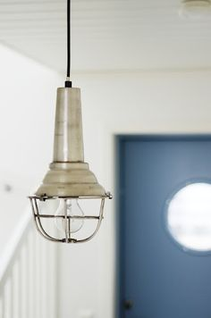 Hanging industrial light