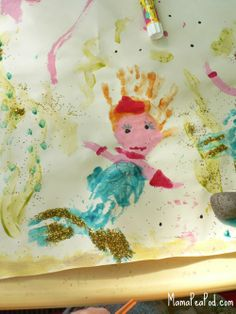 Mama Pea Pod: {Mermaid Handprint Painting Outdoors}