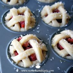 Strawberry Rhubarb Mini Pie- I don't like rhubarb but I'm sure you could use the same idea for cherry or apple or something. Cute idea. :0)