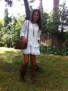 Paula Echevarría in Five Layer Fringe Minnetonka Zipper Boots- Review them off of: http://www.indianvillagemall.com/mocs/fivelayerfringeboot.html