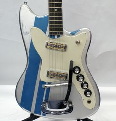 Vintage 1969 Harmony H-16B Refinished in Excellent Condition!