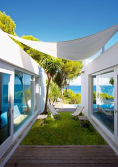 little yard / outdoor lounge area canopi, marie claire, beach hous, costabrava, clair maison, outdoor spaces, dream houses, summer houses, costa brava