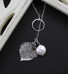 i heart leaf jewelry. and pearls.