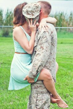 Wedding Gifts For Army Couples : Military love.. I want a pic like this